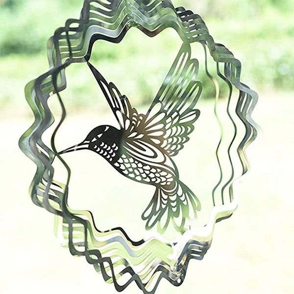 Rotating animal pattern three-dimensional wind chime