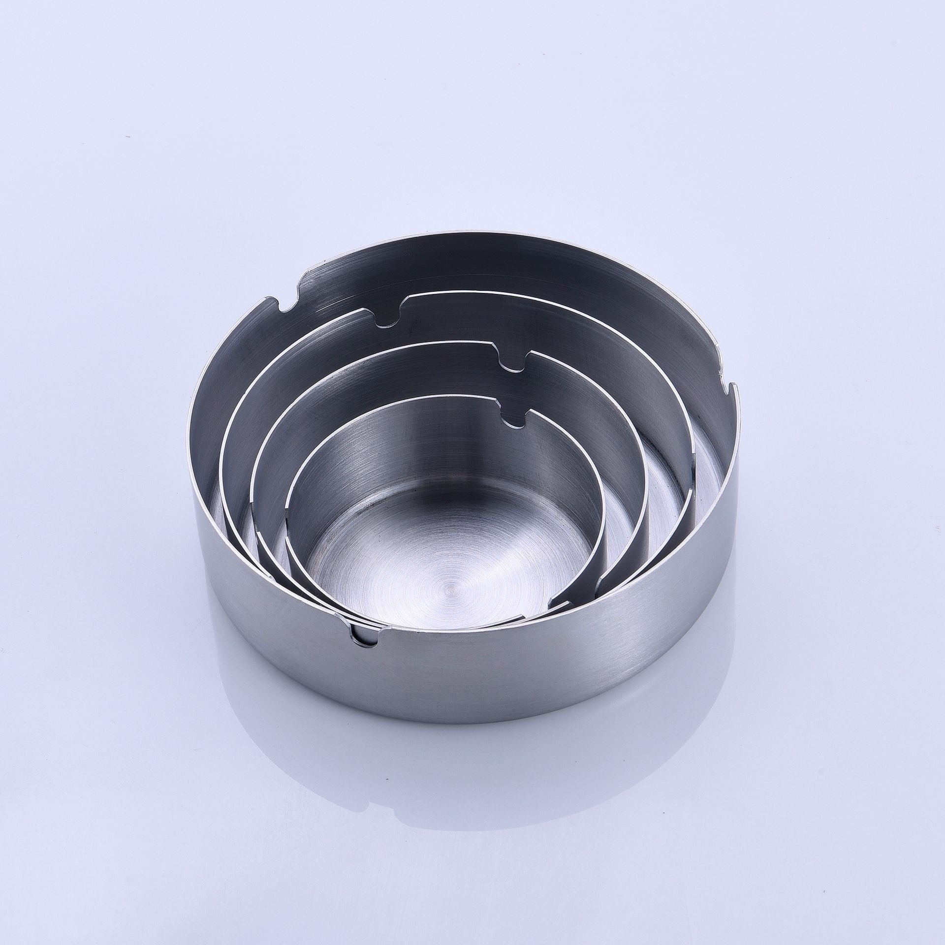 1Pcs Round Ashtray Outdoors Round Thicken Cigarette Stainless Steel Practical Cigar