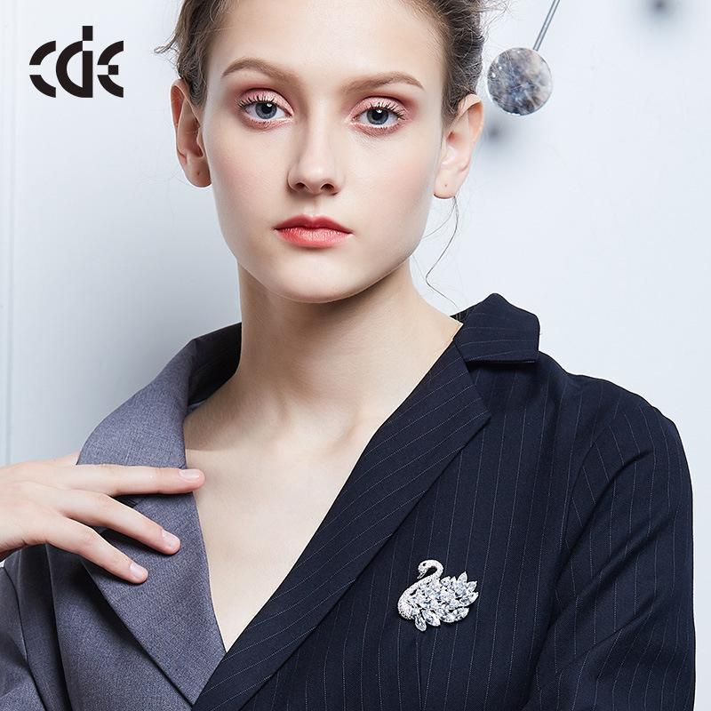 French CDE 20-year-old branded luxurious brooch