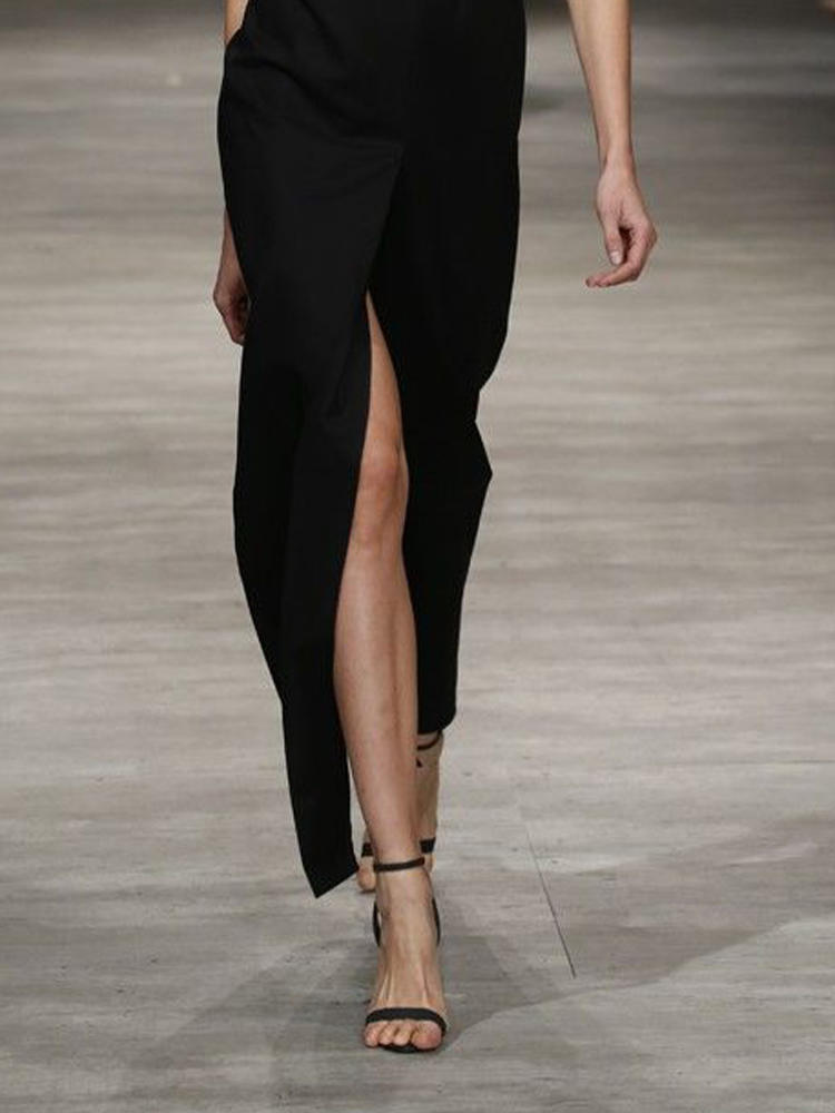 Fashionable With Side-Slit Dress