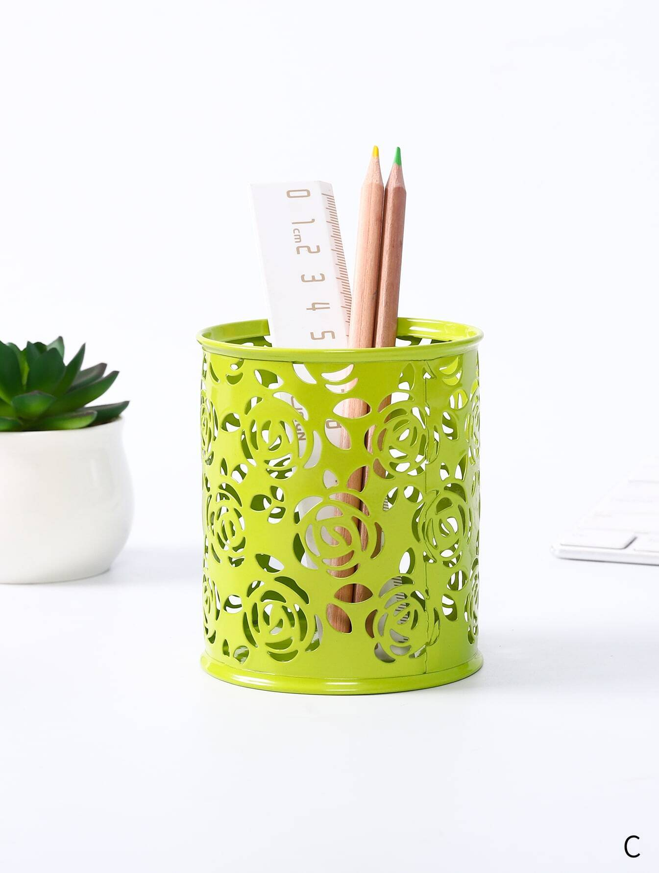 Hollow Flower Pencil Holder 1pc