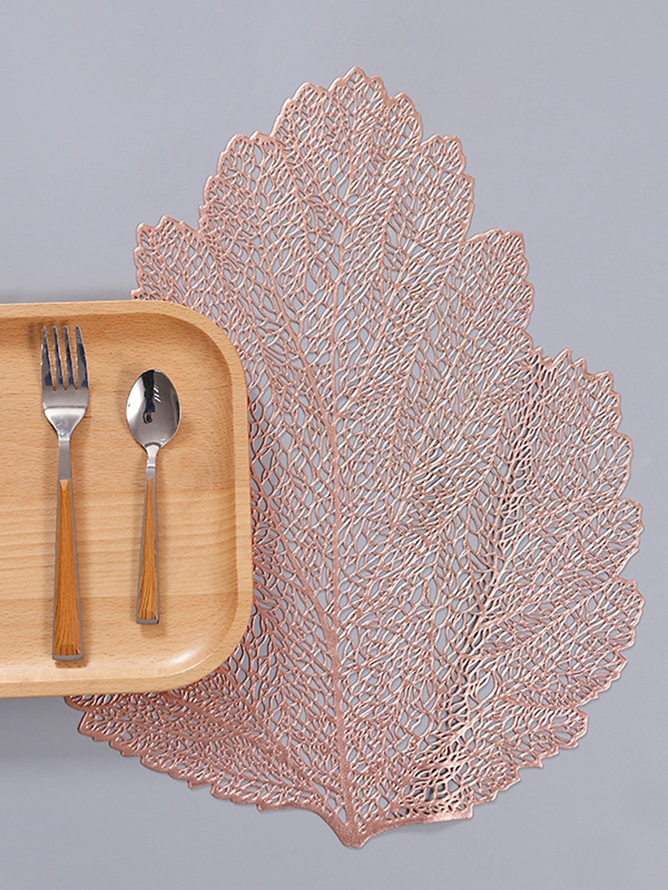 Leaf Shaped Placemat 1pc
