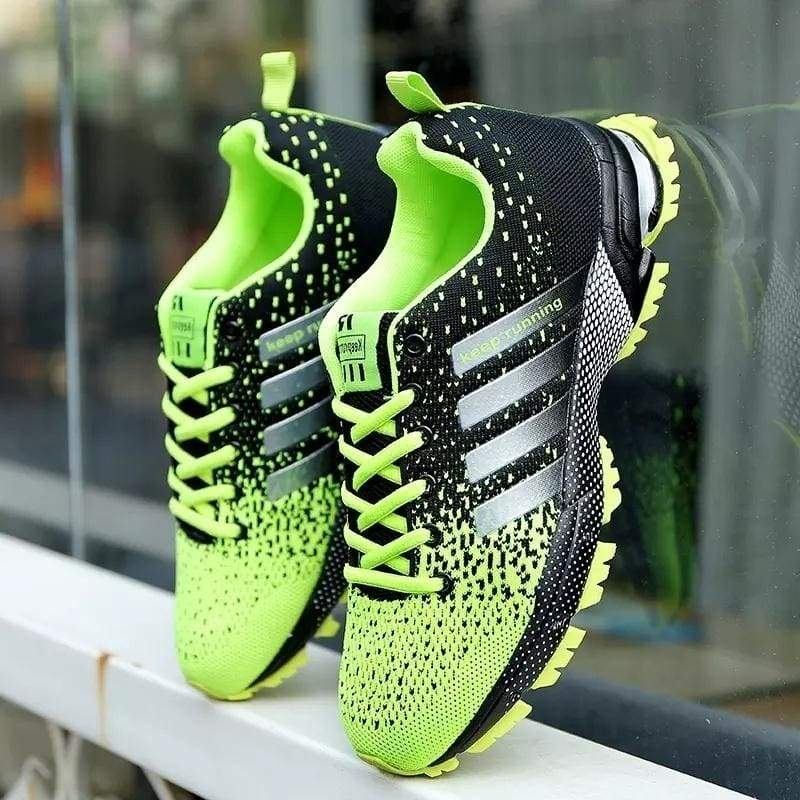 New Women Men Running Shoes Lightweight Breathable Mesh Fabric Casual Sports Shoes Couple Sneakers Trainers