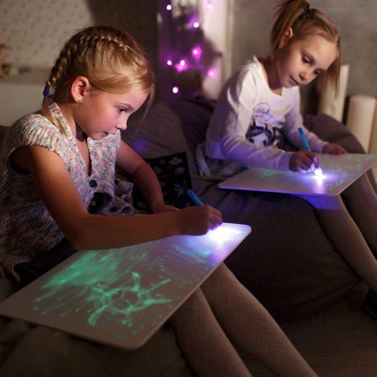 🌈Glow In The Dark Neon Doodle Board Perfect Gift For Kids All Ages✍🎁