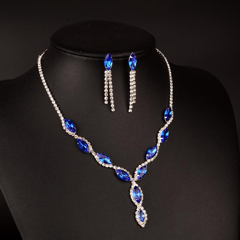 two-piece set of earrings and necklace