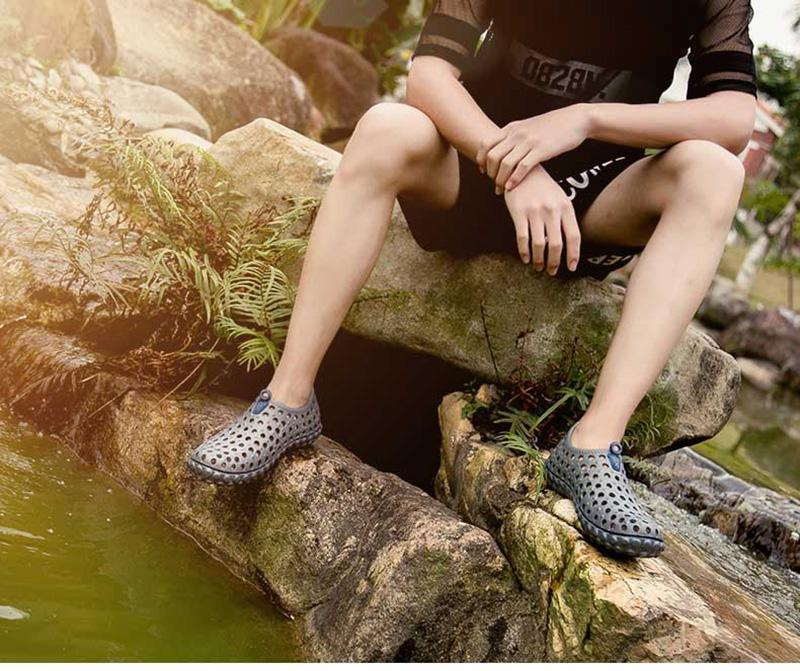 Men's quick-drying beach hole shoes