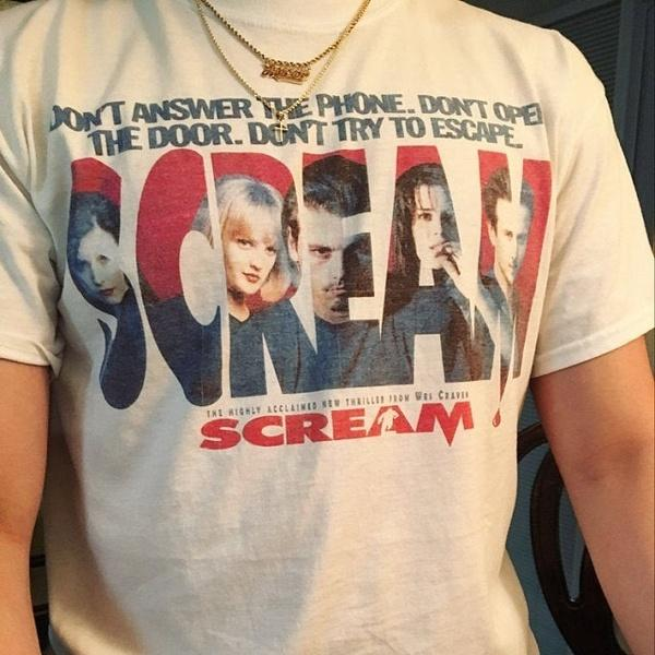 Scream fashion tees,Dont answer the phone,dont open the door, dont try to escape women tees Scream T-Shirt! Drew Barrymore, Casey Becker. 90's Horror tops