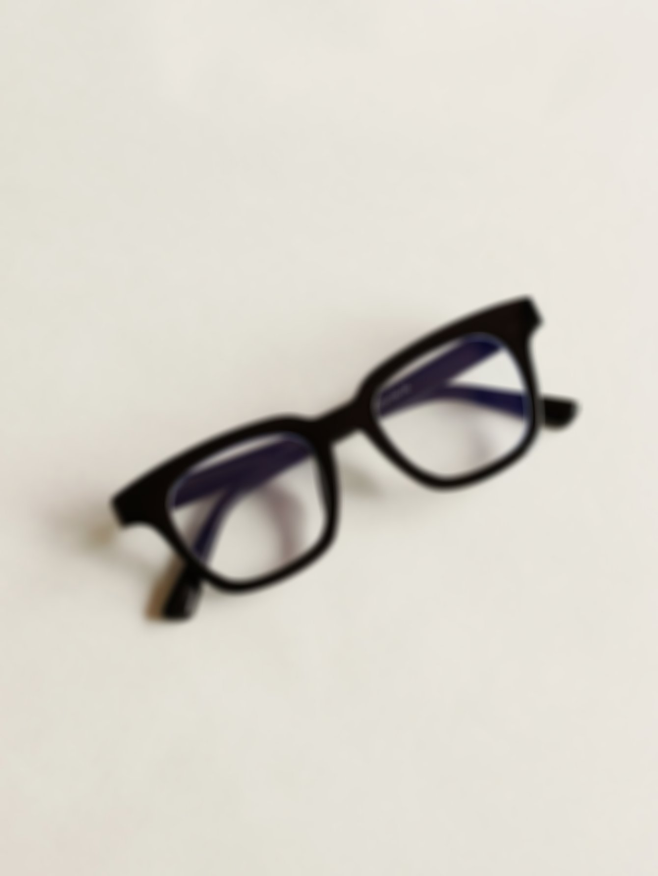 Plain Frame Glasses With Case