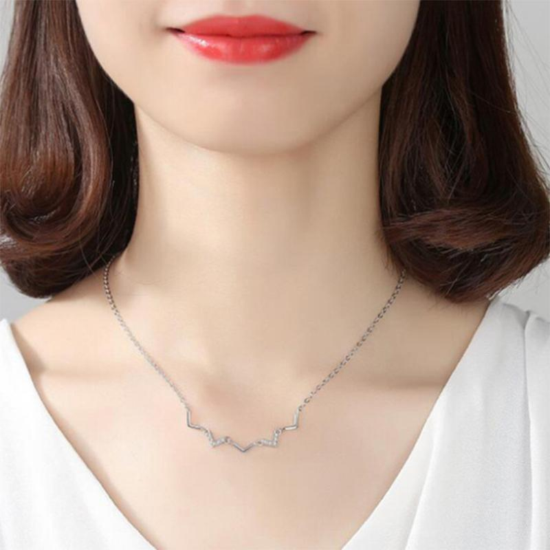 New silver cardiogram-shaped necklace in 2020