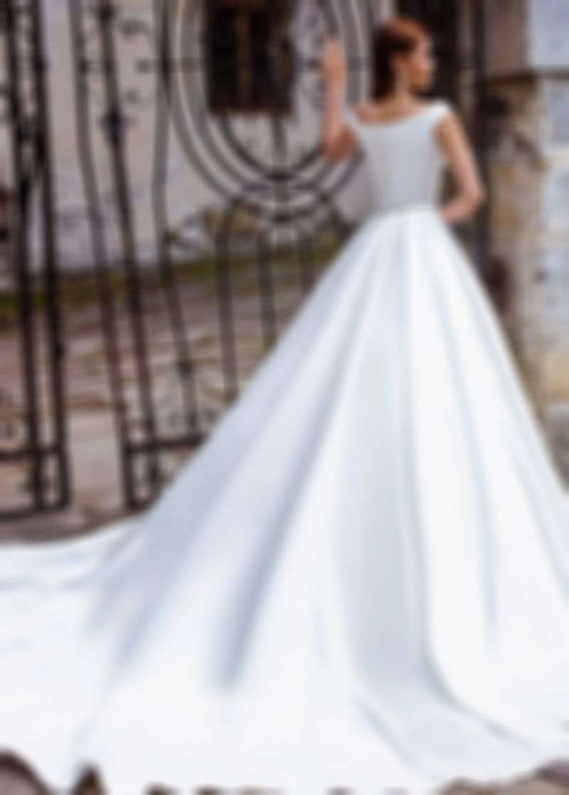 Fashion And Beautiful Mature Wedding Dresses For Girl