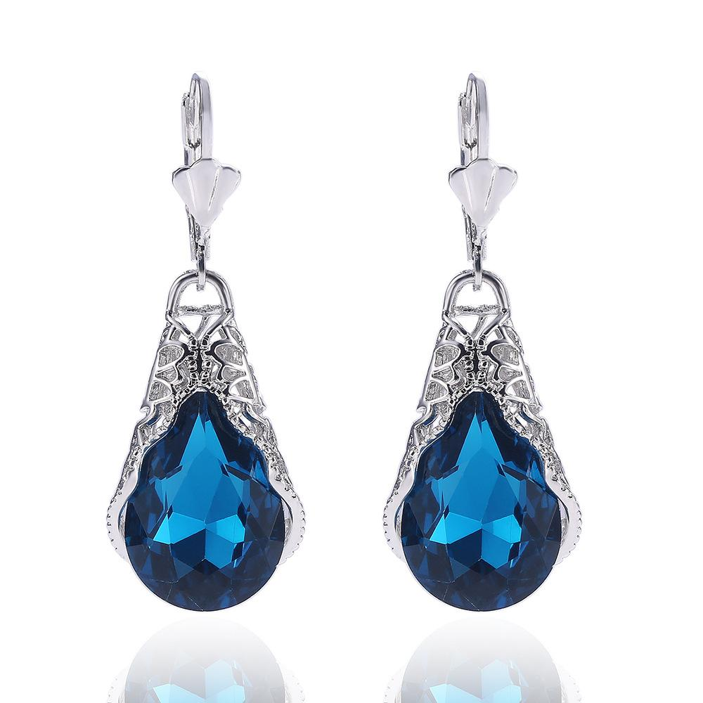 4 Style Summer earrings with diamonds