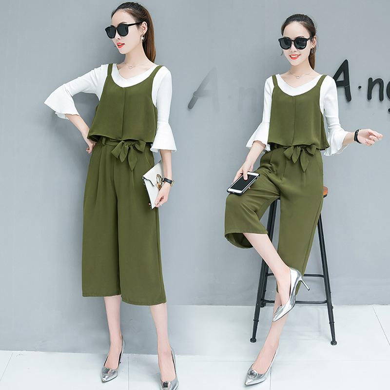 Flare-sleeved casual styled lady suit