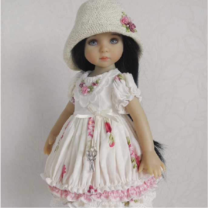 👧👧Little Darling Dianna Effner Doll With Dresses💝