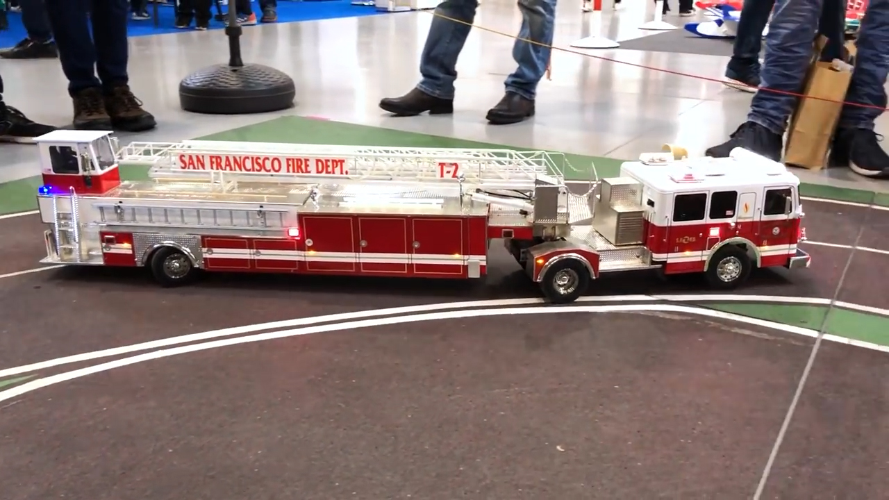 1:24 Remote Controlled Fire Truck