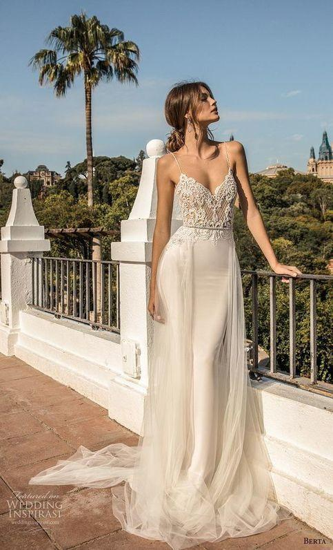 2020 Best Beautiful Lace Beach Wedding Outfit