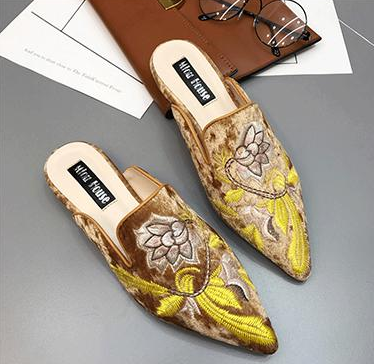 Embroidery shoes