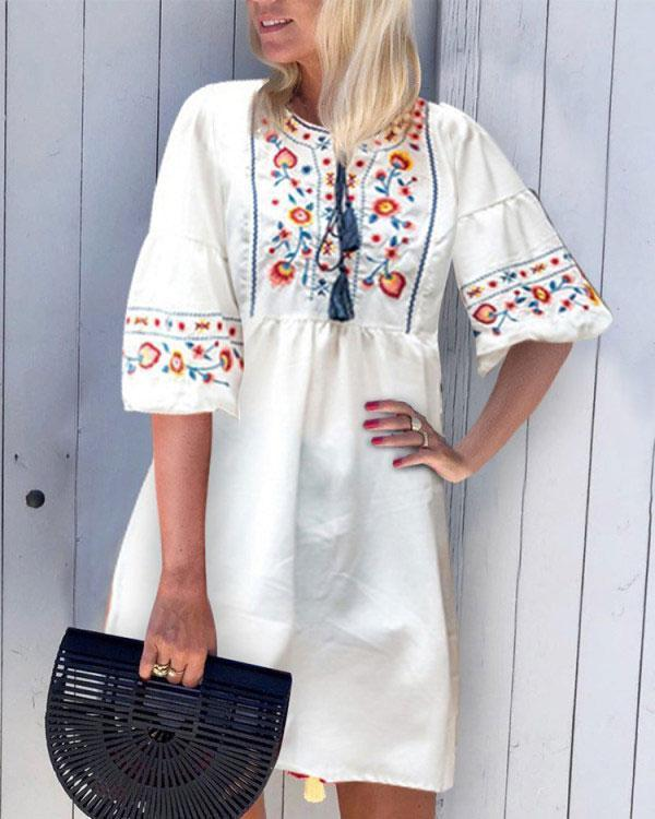 New Loose Round Neck Embroidered Dress