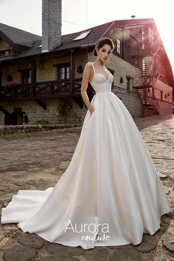 Fashion And Beautiful Classic Wedding Dresses For Girl
