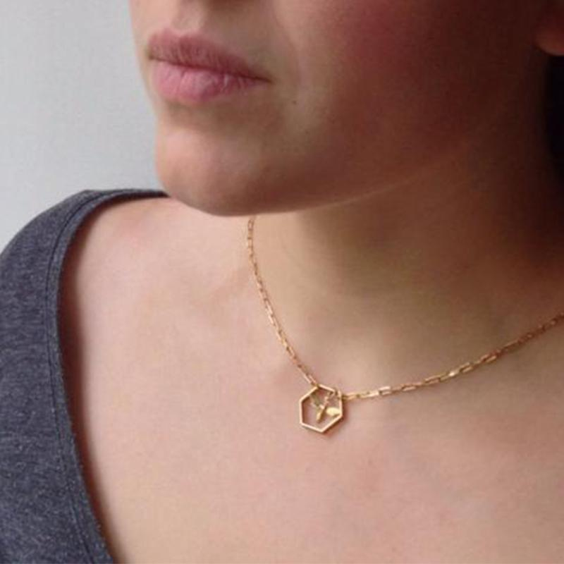 Three-dimensional Creative Bee Necklace