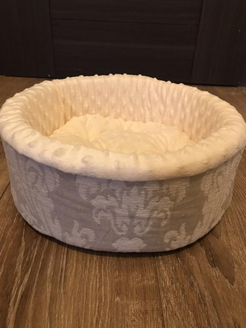 Handmade Cat or Dog Bed d - 30 cm