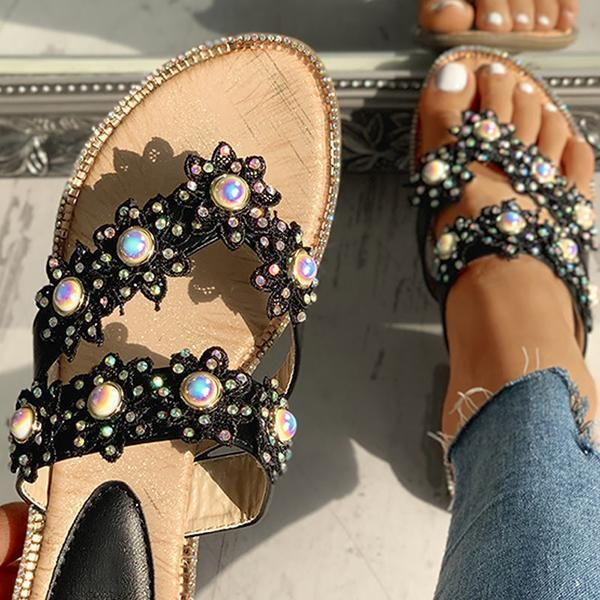 Lemmikshoes Studded Toe Post Flat Slipper
