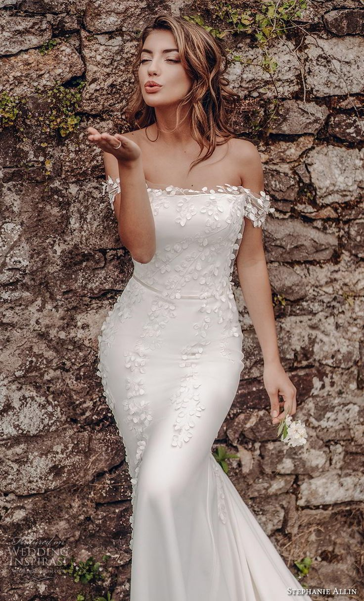 Fashion And Beautiful Crop Top Wedding Dress For Girl