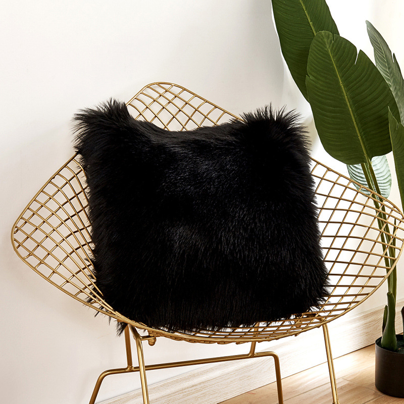 Puffy woolen pillow, can be put on sofa, bed, car seats - Pillow inner not included