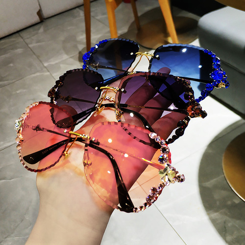 (Factory Outlet)2020 Vintage Sparkling Crystal Sunglasses