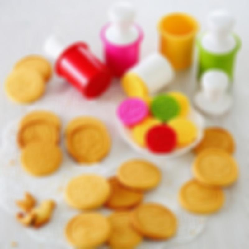 BREEZYLIVE 6 Pcs Cute Cartoon Cookie Stamps Biscuit Baking Mould Set