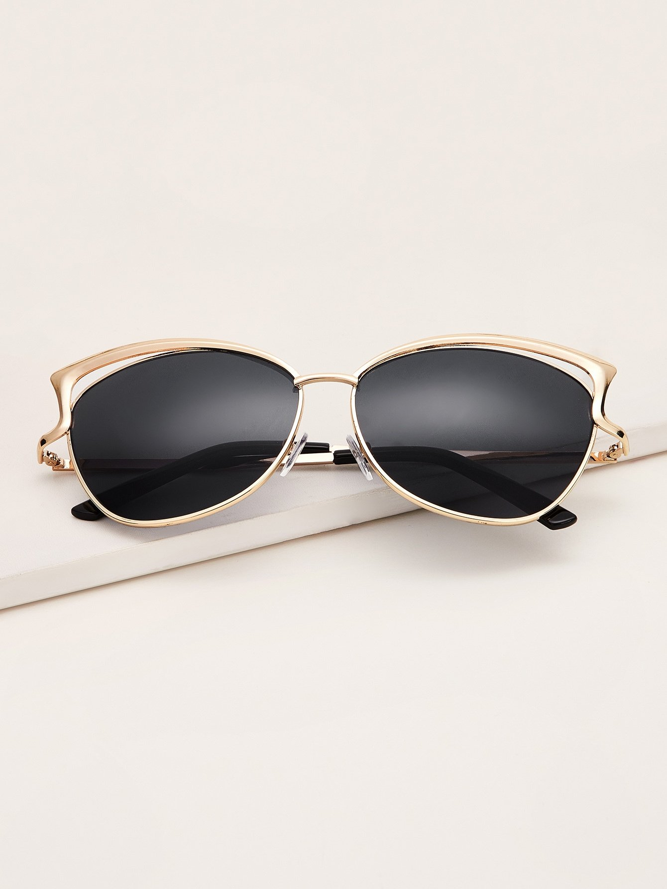 Ear Metal Frame Sunglasses With Case