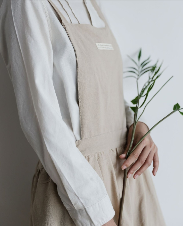 【70% OFF TODAY】Pleated skirt cotton and linen ladies cooking and florist apron overalls(Buy 3 And Up Get Free Shipping)