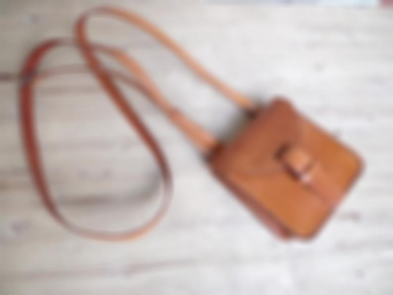 Leather crossbody bag, small. Handmade leather bag. With inside pocket. Leather shoulder bag. Light brown.        Update your settings