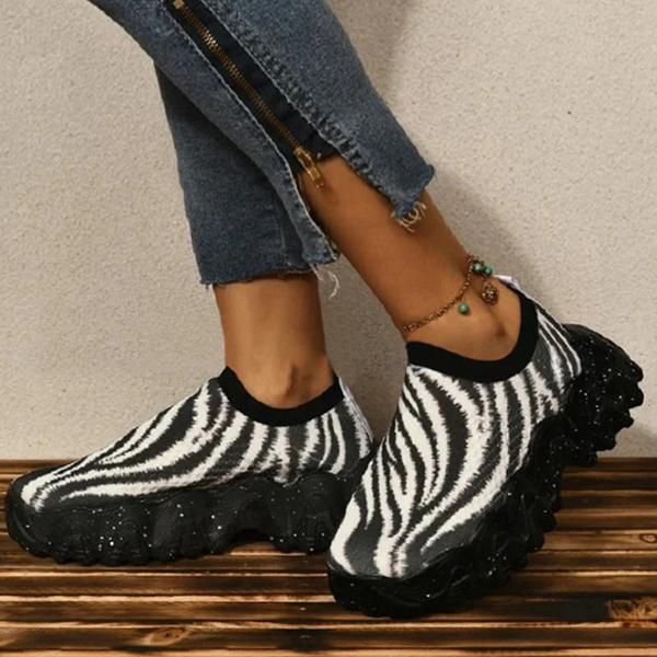 Zoeyootd Casual Flyknit Fabric Color-Blocking Lace-Up Sneakers