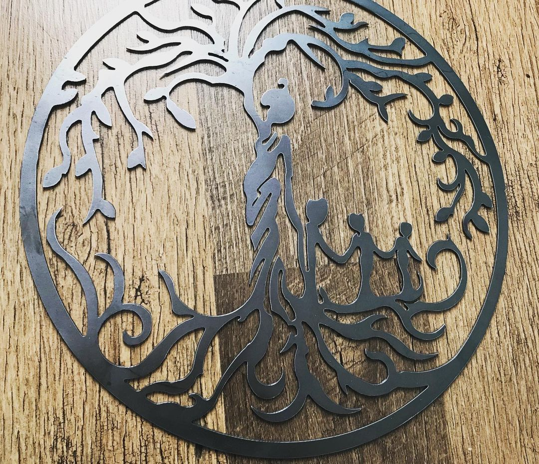 Metal Tree Of Life - Mother With Children Wall Art