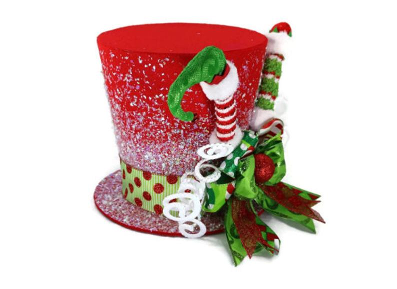 🔥2020 HOT SALE🔥【Christmas Topper】Red Elf Theme Tree Topper