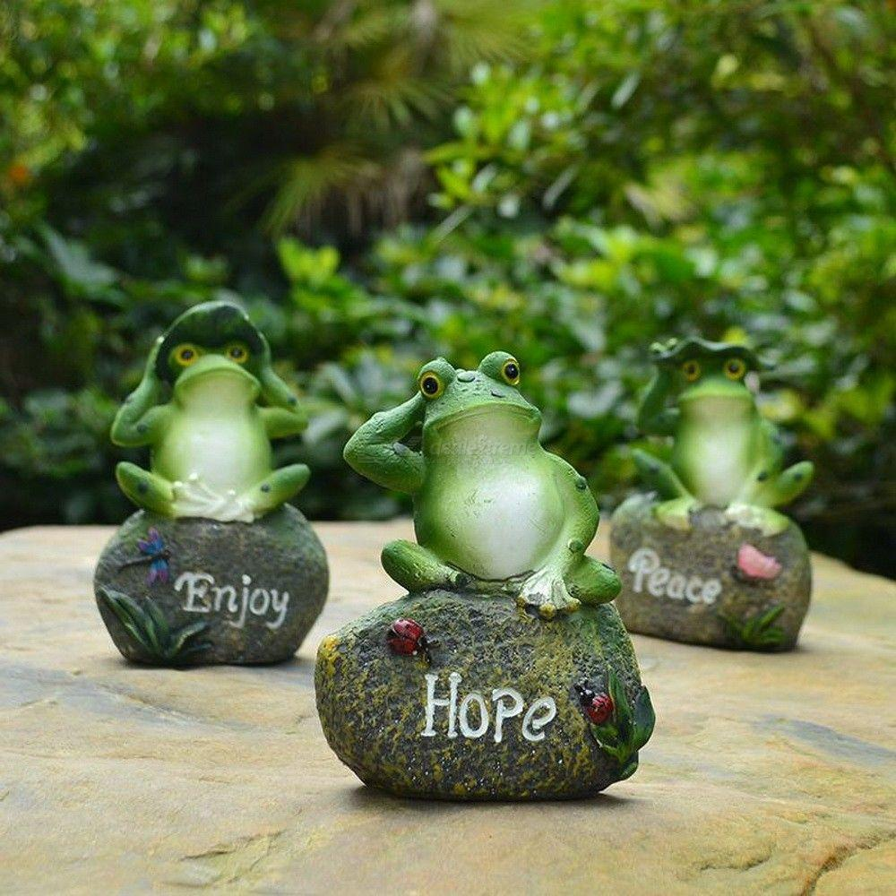 Lovely Resin Frog Sitting On Stone Statue Figurine Model Home Resin Crafts Garden Decor Ornament Random Color