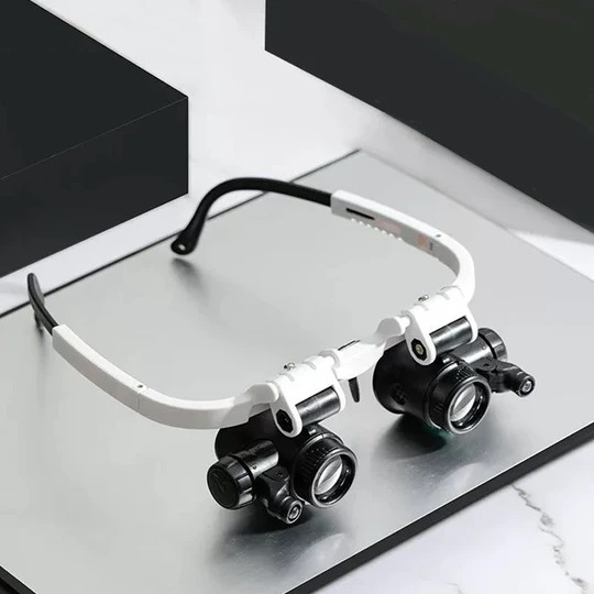 🎅New Year limited time offer🎄LED Glasses Magnifier (BUY 2 FREE SHIPPING)