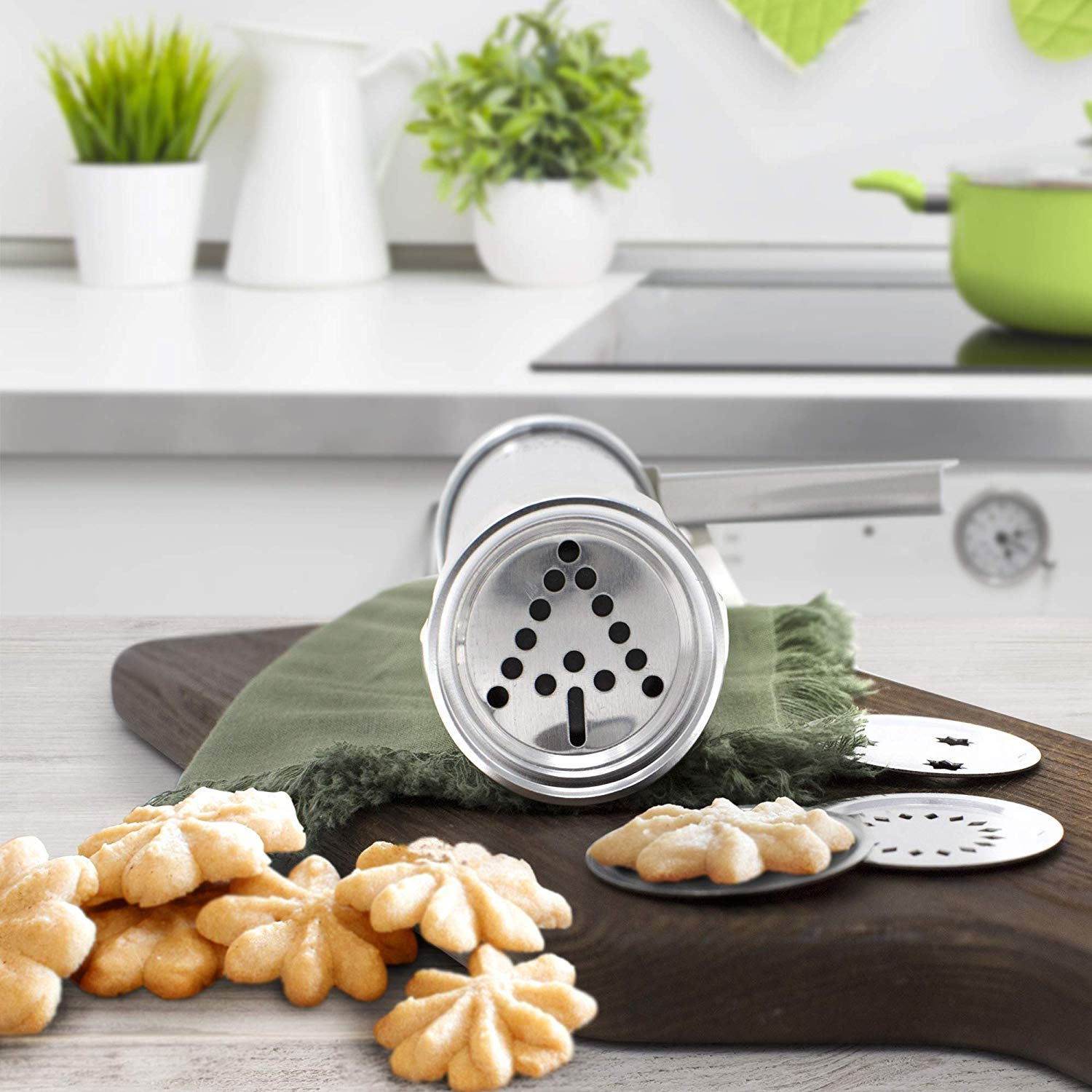 Press Cookie Maker Set with 20 Discs and 4 Icing Tips