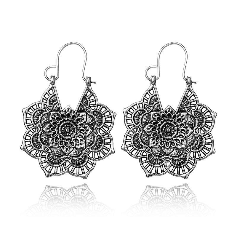 Hollow Metal Vintage C Earrings