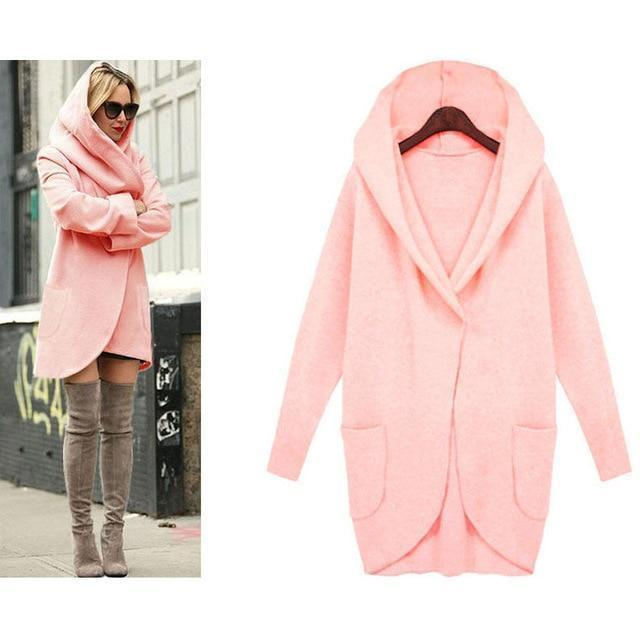 Loose and soft hooded coat