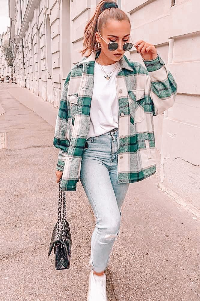 Jeans Outfit For Women Casual Wear Tapered Trousers Smart Casual Pants For Ladies Cream Coat Navy Coat Casual Jean Outfits