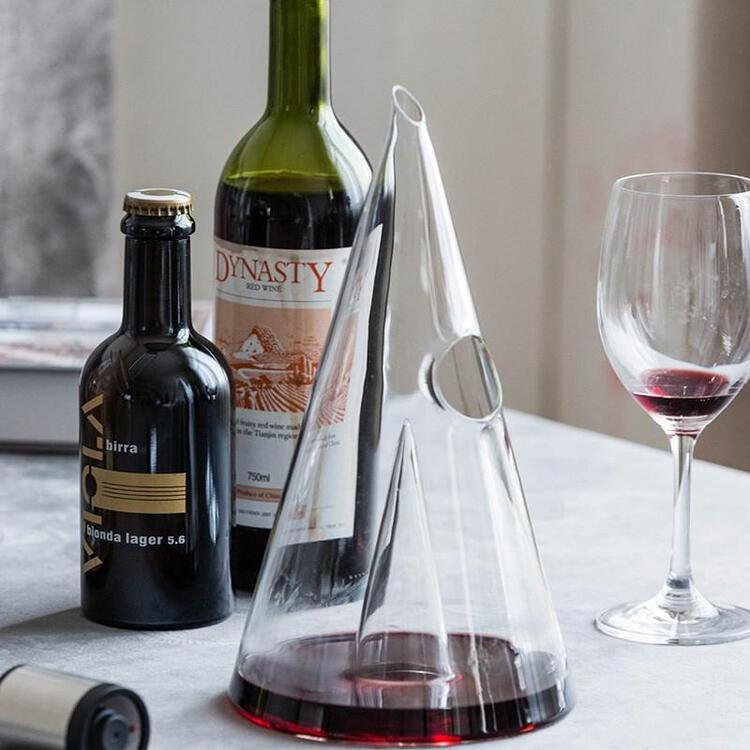 (🔥Hot Selling🔥) Crystal Pyramid Glass Red Wine Decanter
