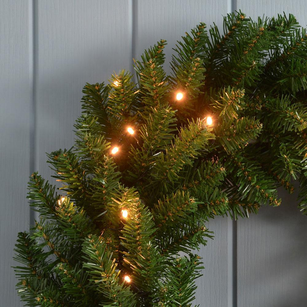 Timberland Spruce Pre-Lit Wreath Christmas Decoration Illuminated with 35 Warm White LED Lights