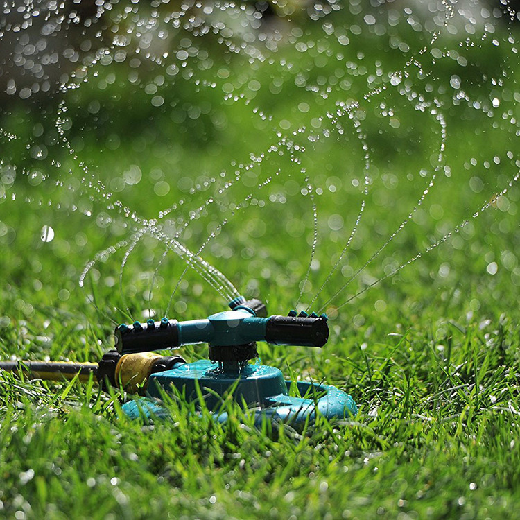 360 Degree Rotating Lawn Sprinkler