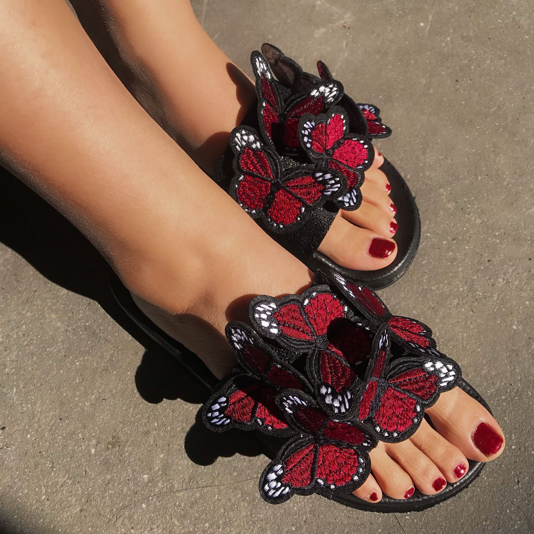 Women's butterfly embroidery strap slide sandals