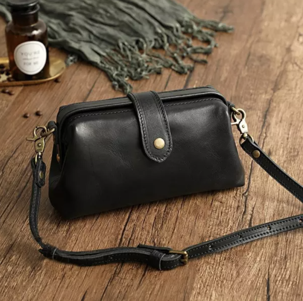 2021 Latest Premium Leather Retro Handmade Crossbody Shoulder Bag