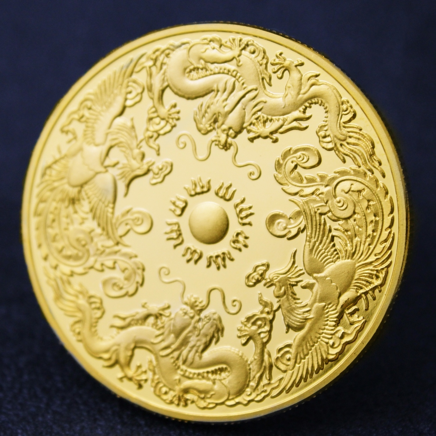 Customized Prosperity Brought by the Loong and the Phoenix Commemorative Coin Traditional