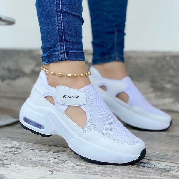 Breathable and comfortable mesh air cushion shoes