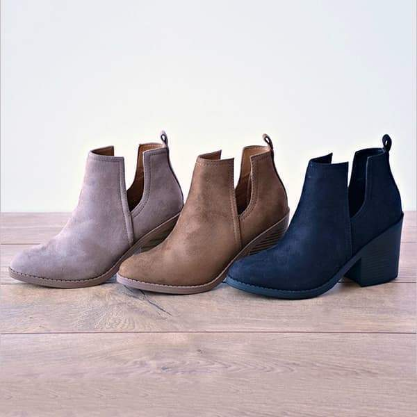 Faddishshoes Ankle Pointed Chunky Boots