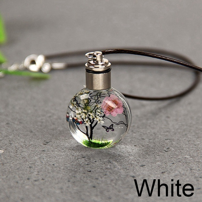 Luminous Women'S Fashion Lifelike Tree Of Life Butterfly Glass Ball Amber Glowing In The Dark Pendant Necklaces Handmade Glass Plant Necklace Jewelry Gifts